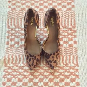 Leopard Heel with Gold Inner Trimming